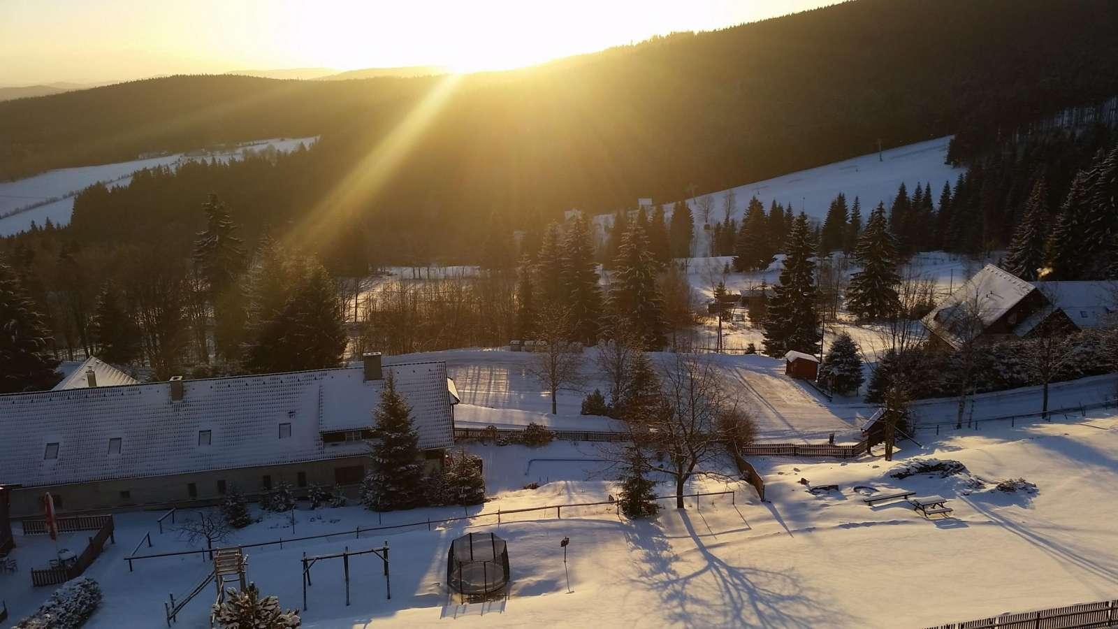 Zimní výhled z hotelu Zadov