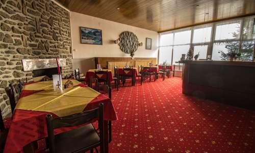 Bar s krbem v hotelu Zadov
